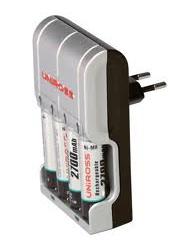 Kit chargeur + 4 piles rechargeables 1,5 V Cefar Compex